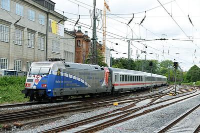 Class 101 No 101060 at Hamburg Hbf on 1 June 2015