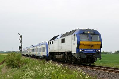 Class 251 No 251002 (DE2700-02) between Niebull and Klanxbull on 31 May 2015