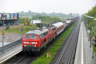 Class 218 No 218307/218372 at Klanxbull on 31 May 2015