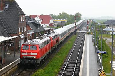 Class 218 No 218371/21837x at Klanxbull on 31 May 2015