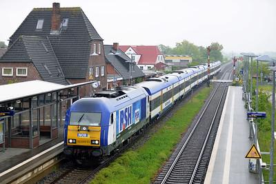 Class 223 No 223055 (DE2000-03) at Klanxbull on 31 May 2015