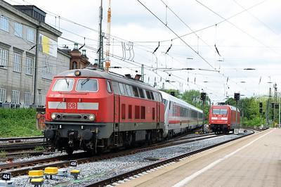 Class 218 No 218389 at Hamburg Hbf on 1 June 2015