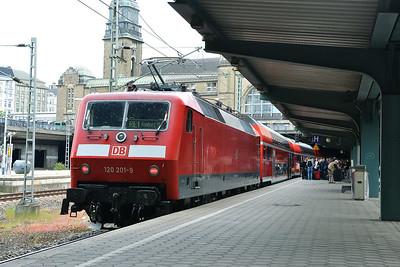 Class 120 No 120201at Hamburg Hbf on 1 June 2015