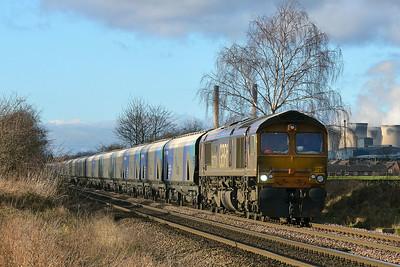 Class 66 No 66724 at Blackburn Lane, Knottingley on 6 January 2015 with the 6H30  09:49 Tyne Coal Terminal – Drax Power Station