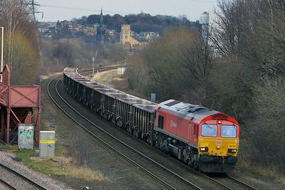 Class 66 No 66118 at Ravensthorpe on 13 January 2015 with the 6Z69 12:00 Heck Plasmor P S to Briggs Sidings
