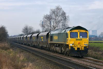 Class 66 No 66544 at Blackburn Lane, Knottingley on 20 January 2015 with the 6E94 23:43 Hunterston High Level – Drax Power Station