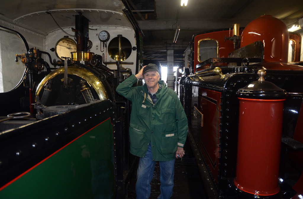 Mel between Linda and newly repainted Double Fairlie David Lloyd George. Linda was also in steam, in preparation for her Snowdonian duties.