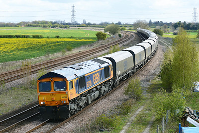 Class 66 No 66728 at Burton Salmon on 27 April 2016 with the 6H12 06:25 Tyne Coal Terminal – Drax Power Station