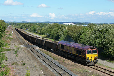 Class 66 No 66186 at Normanton on 31 August 2016 with the 6E95 10:44 New Biggin British Gypsum - Hull Coal Terminal
