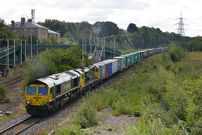 Class 66 No 66588/70010 at Normanton on 31 August 2016 with the 4E22 05:50 Felixstowe North F.L.T. - Leeds F.L.T.