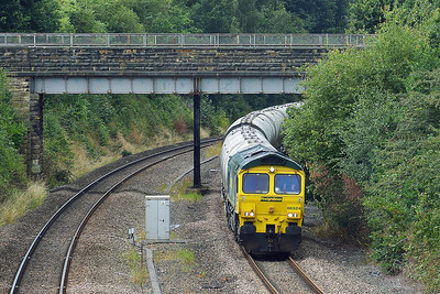 Class 66 No 66524 In Horbury Cutting on 3 August 2016 with the 6M89 13:13 Dewsbury Blue Circle - Hope (Earles Sidings)