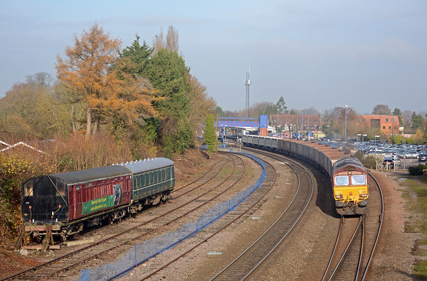 66012 on the 6V01 Oxford Banbury Road to Acton, passing preserved rolling stock of the Chinnor & Princes Risborough Railway