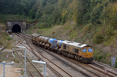 The RHTT was the 3W05 based at Tonbridge which had reversed at Haywards Heath, arriving from Seaford. 66724 Drax Power Station and 66738 Huddersfield Town head to Brighton after a  parade of late running MUs. They are already displaying one characteristic of RHTT employed locos, dirt!