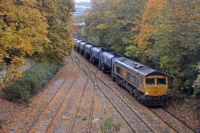Possibly the best autumnal colours on a London railway? 66714 Cromer LIfeboat is on the 6Z92 Bow to Tonbridge
