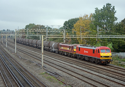My reason for going to Headstone Lane on a Friday was the weekly wagonload service from Mossend to Wembley, here conveying the usual china clay tanks and a solitary JNA, 90040 and 90028 were the motive power.