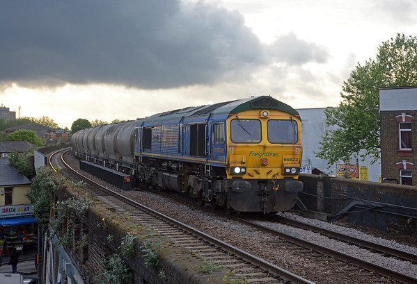 66623 Bill Bolsover on the 6L89 Tunstead to West Thurrock, the shower clouds were drifting away to the SE