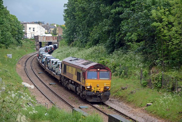 It was followed by the Dagenham Dock to Didcot 6X44 loaded with imported Ford cars
