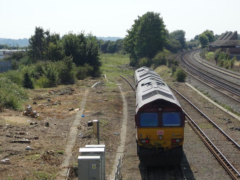 66095 & 66082 - Eastleigh