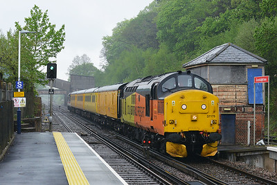 Class 37 No 37175+37254 at Botley on 10 May 2016 with the 1Q52 10:37 Eastleigh Arlington - Eastleigh Arlington