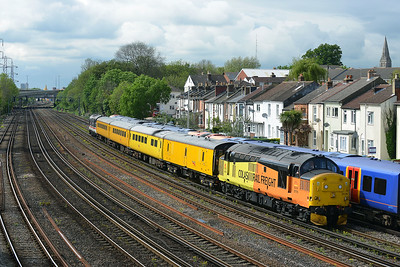 Class 37 No 37175+37254 at Southampton on 10 May 2016 with the 1Q52 10:37 Eastleigh Arlington - Eastleigh Arlington