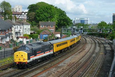 Class 37 No 37254+37175 at Southampton on 10 May 2016 with the 1Q52 10:37 Eastleigh Arlington - Eastleigh Arlington