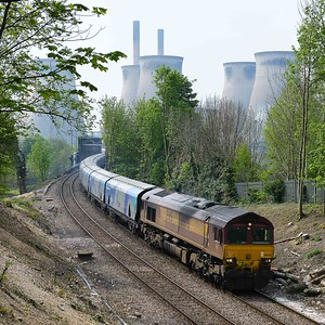 Class 66 No 66076 at Brotherton on 7 May 2016 with the 6H62 09:37 Immingham Biomass Lp - Milford West Sidings