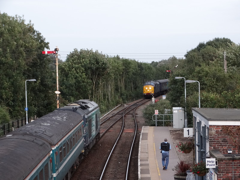 68024 & 37422 - Acle<br /> <br /> 2P34 18.06 Norwich to Great Yarmouth<br /> 2P33 18:17 Great Yarmouth to Norwich