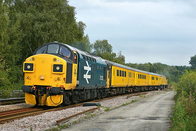 Class 37 No 37025+37116 at Gascoigne Wood on 19 September 2016 with the 1Q64 08:53 Derby R.T.C.(Network Rail) - Neville Hill T&R.S.M.D