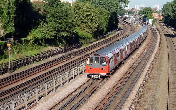 Jubilee Line 1996 stock accelerating away from Kilburn