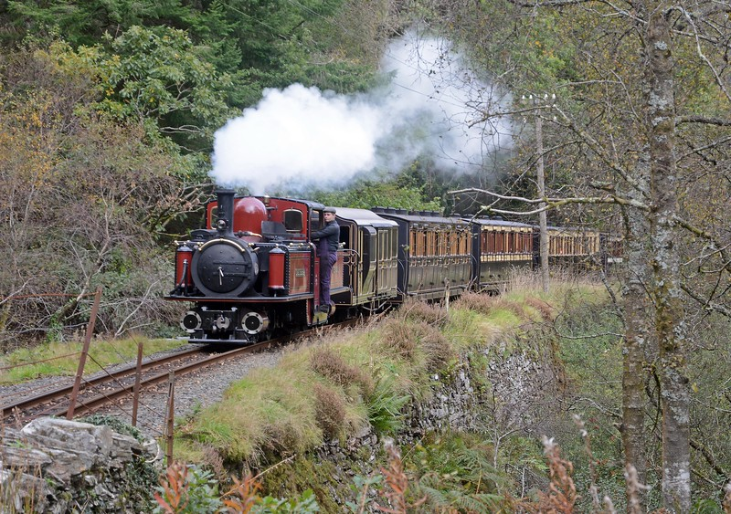 ...which crossed with DLG and the Victorian train at Tan-y-Bwlch