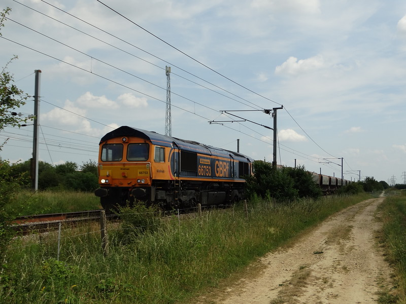 66753 - Marholm<br /> <br /> 6M34 12:21 Ferme Park Reception Line GB Railfreight to Bardon Hill GB Railfreight