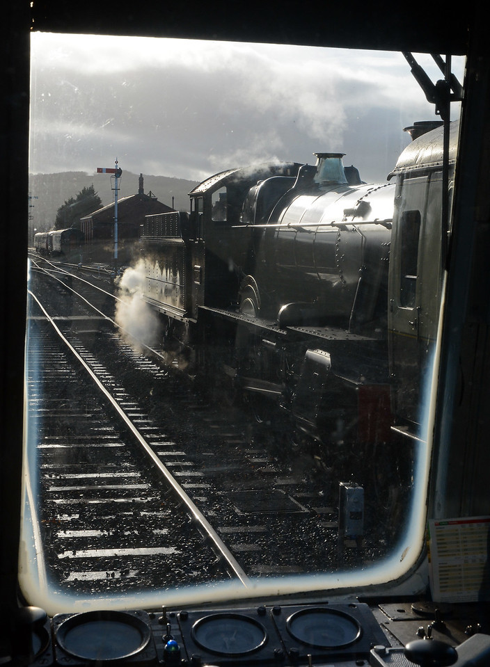 Dinmore Manor about to leave Toddington for Cheltenham, seen through the 117s cab window