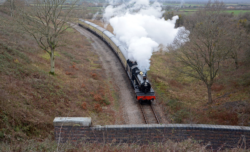 Dinmore Manor approaches the tunnel