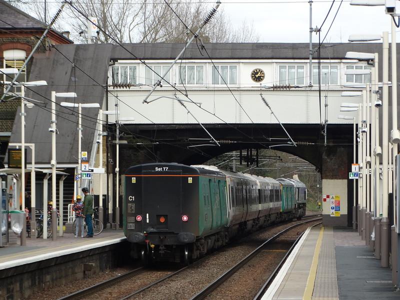 66711, Class 508 Translator Car 64664, 4659 & Translator Car 64707 - Brondesbury Park