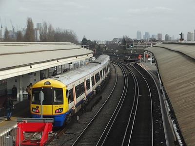 378202 - Clapham Junction