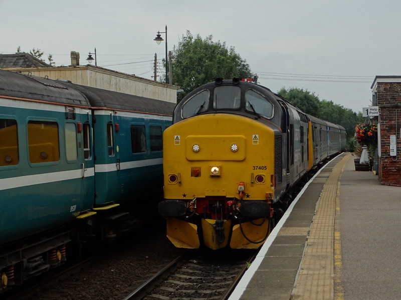 37405 - Acle<br /> <br /> 2P33 18:17 Great Yarmouth to Norwich