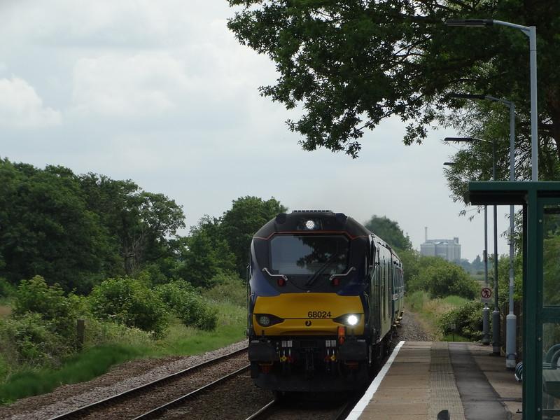 68024 - Buckenham<br /> <br /> 2J73 1057 Lowestoft to Norwich
