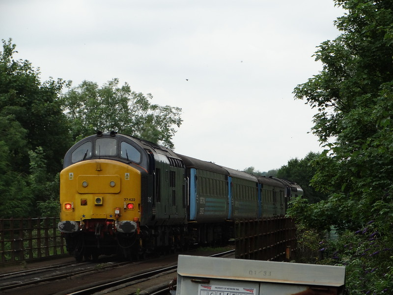 37422 - Whitlingham (Girlings Lane)<br /> <br /> 2P21 13:17 Great Yarmouth to Norwich