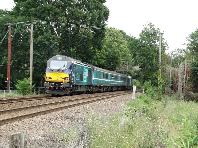 68024 - Brundall Gardens<br /> <br /> 2J74 12:05 Norwich to Lowestoft
