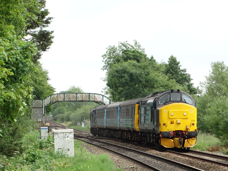 37405 - Whitlingham (Girlings Lane)<br /> <br /> 2P21 13:17 Great Yarmouth to Norwich