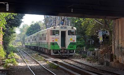 Final shot, another ex-JR set on a Yangon Circle line working. You can see that the track on the Circle LIne is pretty rough in places. Luckily speeds are mercifully low.