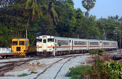Another five car RBE set leaves Yangon
