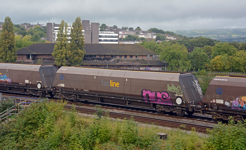 The former Fastline IIA hoppers are getting badly scarred by grafitti vandals. This was one of the cleanest!
