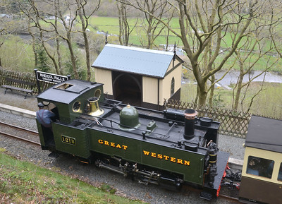 Rheidol Falls halt is equipped with a typical GWR tin pagoda, and like Aberffrwd and Nantyronen is very smart. Trains stop by request. The actual Falls can be seen in the valley below.