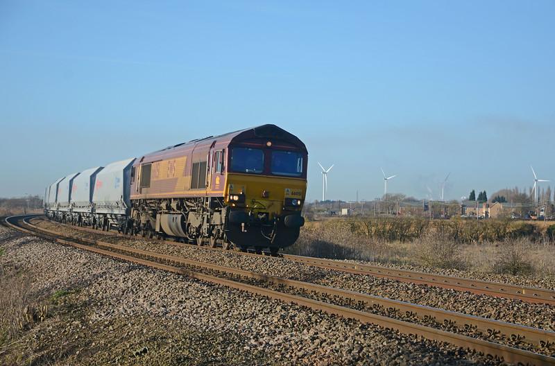 In the opposite direction 66051 on the 6L43 Mountsorrel to Kennett...