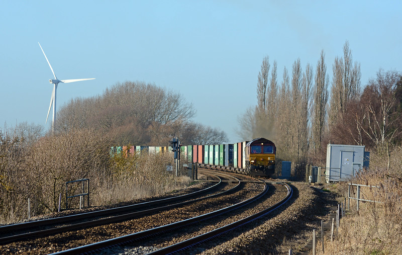 From the station I walked to Ramsey Road, arriving just in time for the 4L45 from Wakefield to Felixstowe.