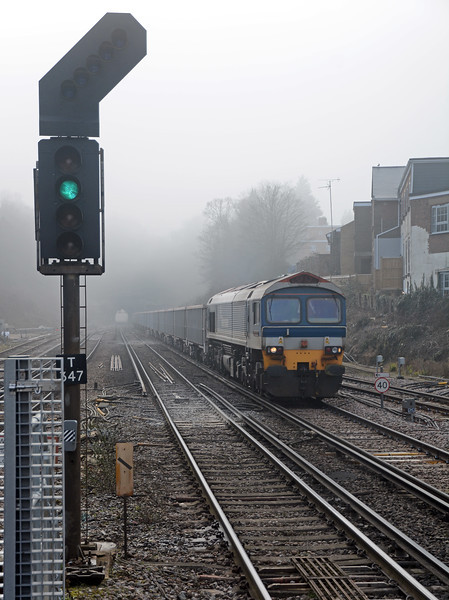 And five minutes later it was clearer still, just in time for 59104 Village of Great Elm on the 6V00 from Newhaven to Acton