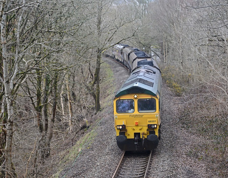 Returning to Grange Sidings, 66501 on the 6C93 from Cwmbargoed with coal for Port Talbot. Supposedly leaving the exchange sidings at 14:00, it passed me just beyond Bedlinog at 12:46!