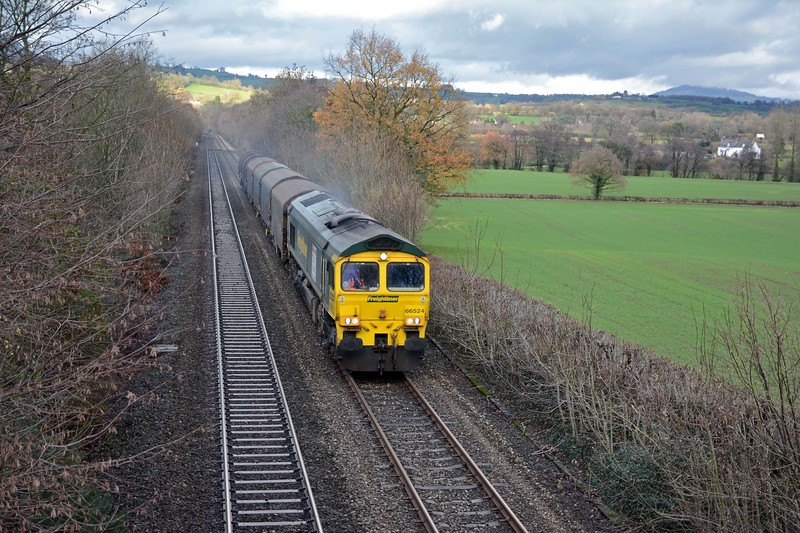66524 on an attenuated 6V75, just four IHAs and a single BYA.