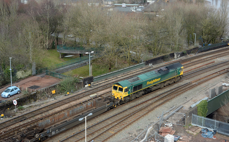 In the opposite direction 66557 heads east on the 4O57 Wentloog to Southampton